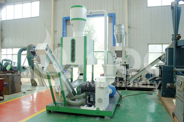 movable mini pelletizing line for processing biomass and wood wastes