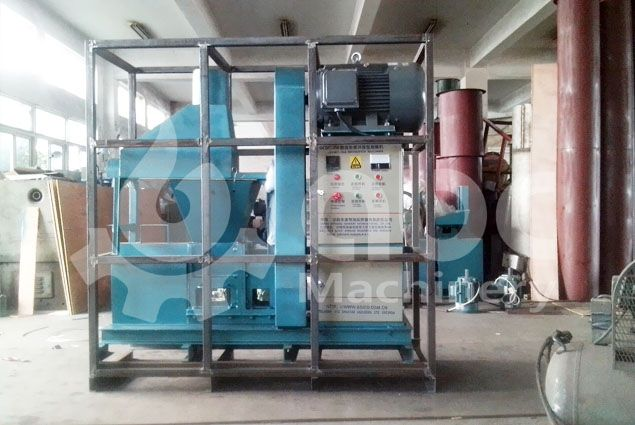 saw dust briquettes making machine being packing