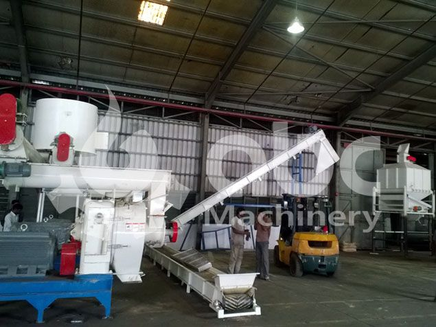 sawdust pellet machine line for medium sized pellets manufacturing factory