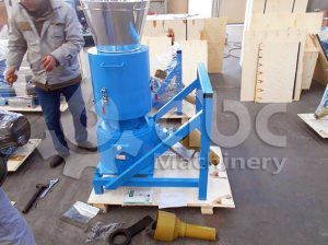 Small Wood Sawdust Pellet Making Machine Arrived in Holland